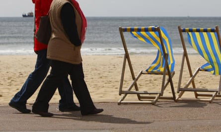 Just 25 minutes' brisk walking a day can increase your life span, health experts say.