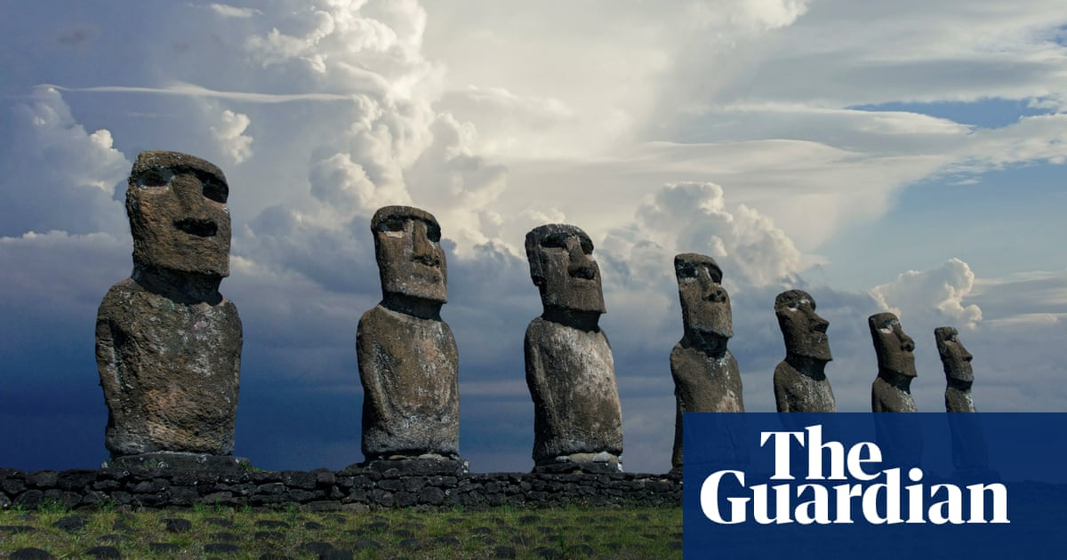 Easter Island: anger after truck crashes into 'sacred' stone statue