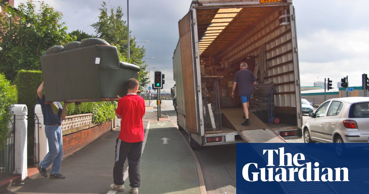 Cost of moving home rises as UK removals firms put up prices