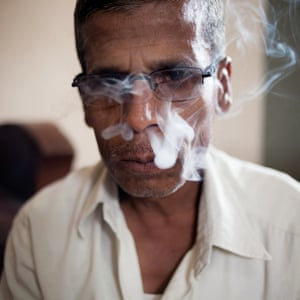Nipani, India A bidi tobacco taster employed by Shah Chhaganlal Ugarchand, one of the largest tobacco commission agents of the region