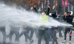 Protesters on the Champs-Élysées