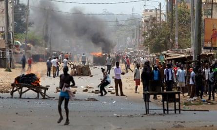 Demonstrators set barricades on fire in Kisumu, Kenya
