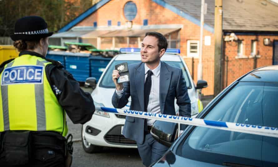 Detective Sergeant Steve Arnott, played by Martin Compston