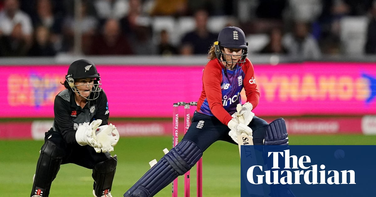 Tammy Beaumont powers England to comfortable T20 win over New Zealand