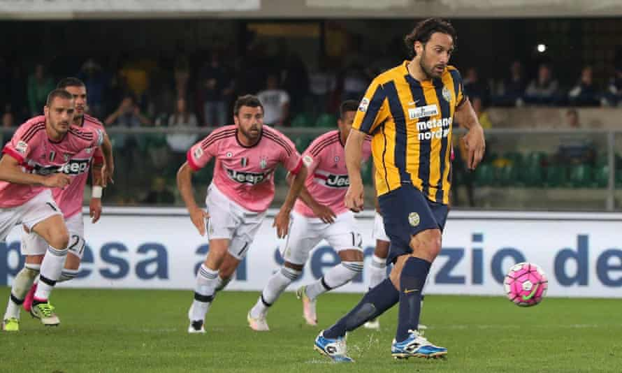 Luca Toni dinks home from the penalty spot in his last league match before retiring.