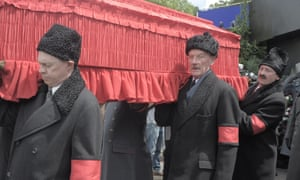 steve buscemi michael palin and paul whitehouse as pallbearers in the death of stalin