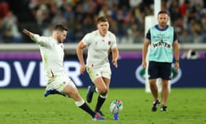 Elliot Daly of England thumps his penalty kick but it drifts wide of the posts.