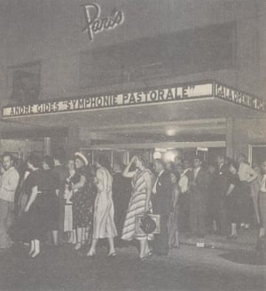 The Paris Theatre on opening day in 1948.