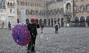 An early snowfall this week (13 November) in Modena.