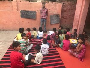 A class at Bhim Pathshala in Sona village near Saharanpur, Uttar Pradesh.