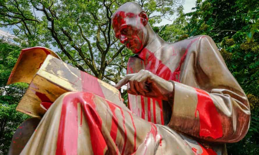 Vandalised statue
