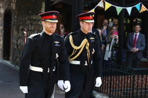 Prince Harry walks with his best man, the Duke of Cambridge, as he arrives at St George's Chapel