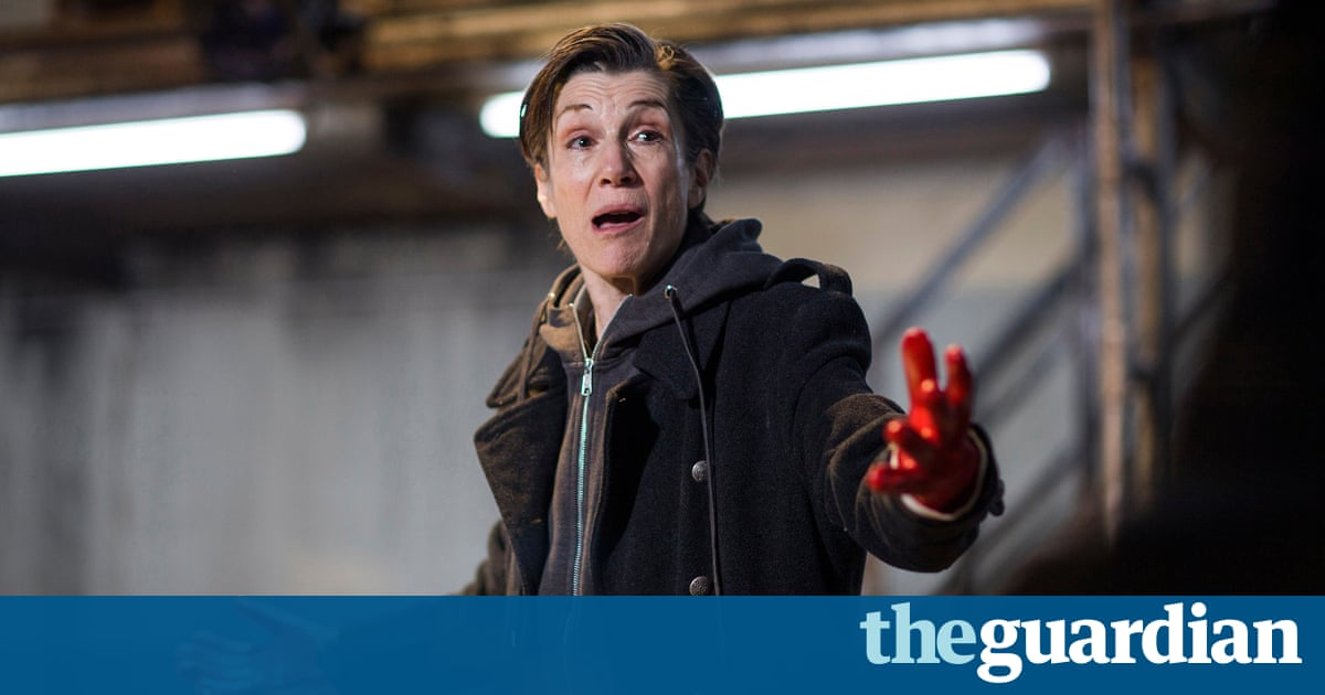Harriet Walter: stage more plays with lead female characters