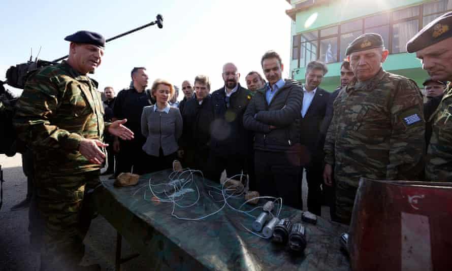 Kyriakos Mitsotakis with Charles Michel, Ursula von der Leyen, and other senior EU officials during a visit at the Greek-Turkish border.