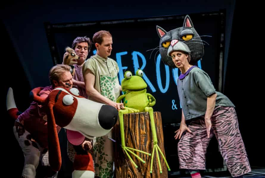 Darren Seed, Simon Yadoo, John Winchester and Lucy Tuck in Oi Frog and Friends!