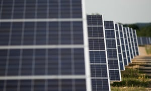 """Renewable power played a """"critical role"""" in holding CO2 emissions to around 32bn billion tonnes in 2015, the International Energy Agency said."""