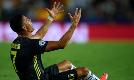 Cristiano Ronaldo sent off but 10-man Juventus go on to beat Valencia
