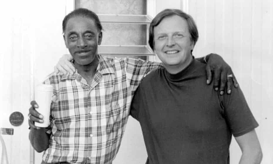 Fred McDowell with Chris Strachwitz in Mississippi, 1971.