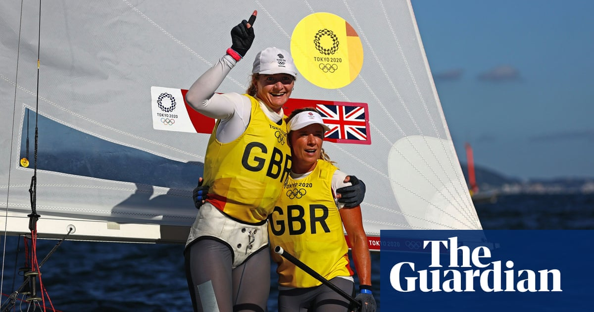 Hannah Mills and Eilidh McIntyre win Team GB's third Olympic sailing gold