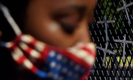 """TOPSHOT-US-POLITICS-RACE-UNREST<br/>TOPSHOT - A demonstrator pauses in front of a wall displaying names of black people who have been killed by police, across from the White House during a peaceful protest against police brutality and the death of George Floyd, on June 7, 2020 in Washington, DC. - On May 25, 2020, Floyd, a 46-year-old black man suspected of passing a counterfeit $20 bill, died in Minneapolis after Derek Chauvin, a white police officer, pressed his knee to Floyd's neck for almost nine minutes. (Photo by Olivier DOULIERY / AFP) (Photo by OLIVIER DOULIERY/AFP via Getty Images)"""" class=""""gmail-css-q4dzvk"""" width=""""3198″ height=""""1917″></span></div> <div class="""