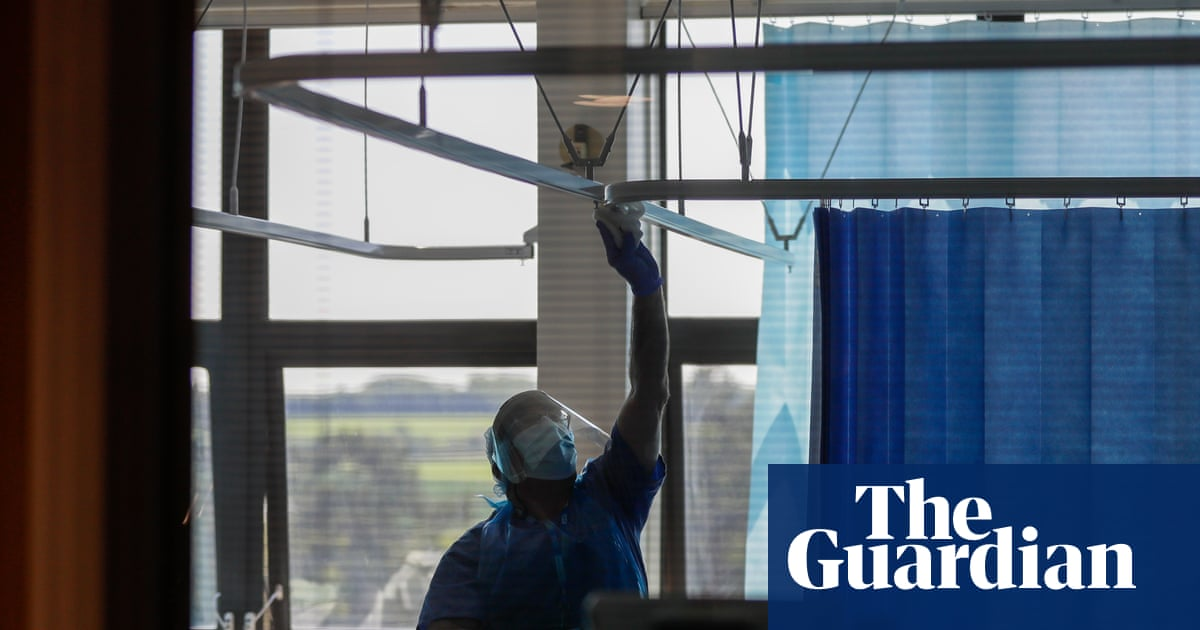 Cambridge hospital's mask upgrade appears to eliminate Covid-19 risk to staff