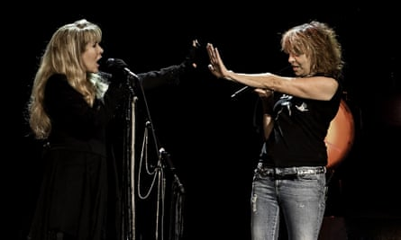 Hynde plays with Stevie Nicks: 'I'll make music as long as I can hold a guitar'