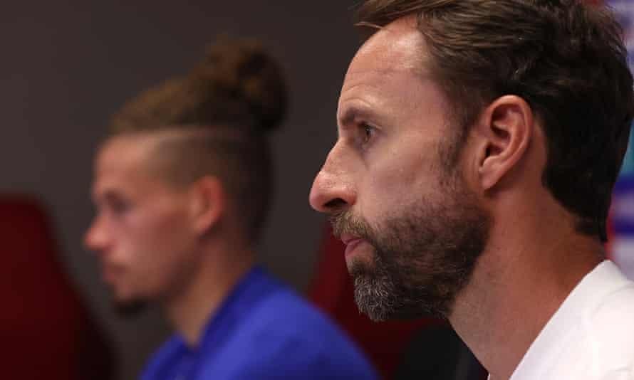 Gareth Southgate with midfielder Kalvin Phillips