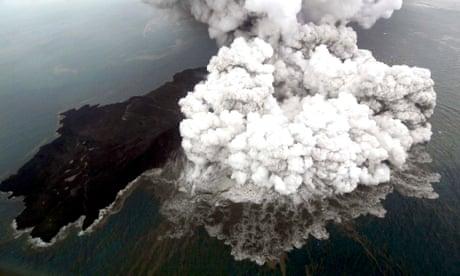 Indonesia authorities raise Anak Krakatau volcano threat level