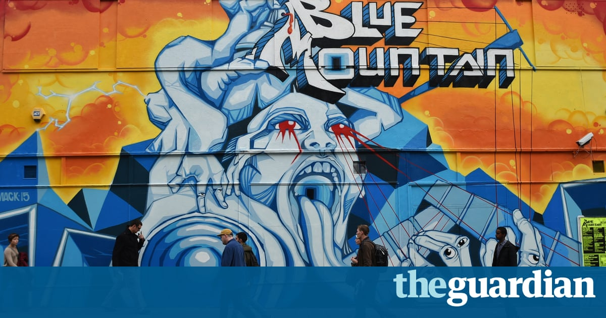 Bristol Street Artists Work With City On Legal Graffiti Walls - Beautiful street murals appear on roads only when it rains