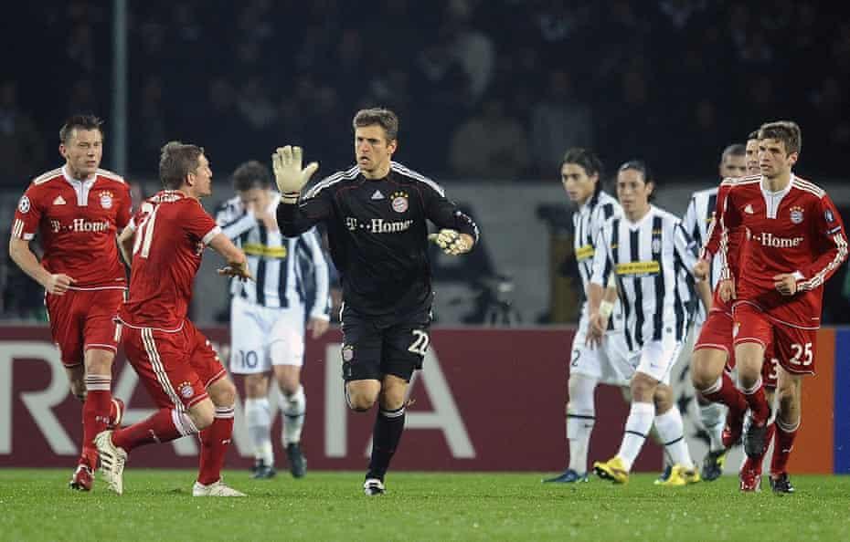 Bayern Munich's goalkeeper Hans-Jörg Butt celebrates after scoring a penalty against Juventus during their 2009 Champions League encounter.