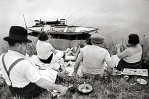 Henri Cartier-Bresson  On the Banks of the Marne, Paris, 1938 / Printed 1992