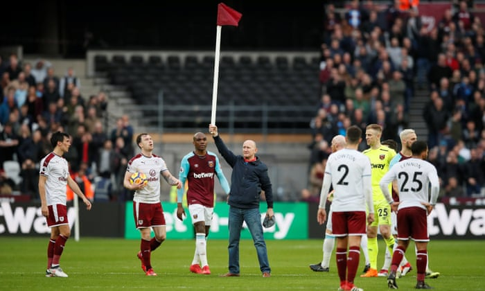West Ham Chaos As Pitch Invaders And Crowd Trouble Mars Burnley S Win Premier League The Guardian