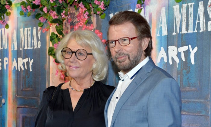 'We are here to party': Abba reunite – in a Stockholm restaurant | Music | The Guardian