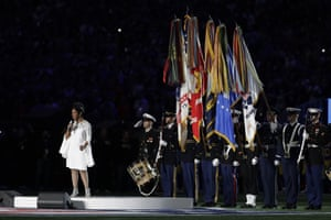 Gladys Knight sings the national anthem