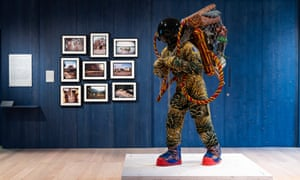 Refugee Astronaut by Yinka Shonibare is a life-size sculpture of a galactic explorer carrying a ramshackle collection of earthly possessions.