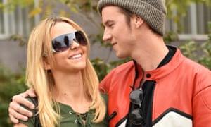 Natasha Bassett as Spears and Nathan Keyes as Justin Timberlake
