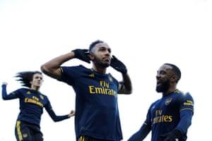 The Dozen The Weekend S Best Premier League Photos Football The Guardian