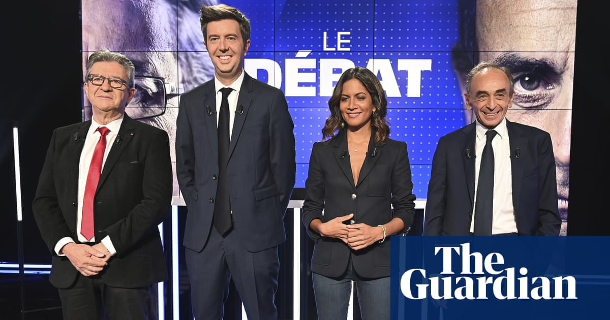Hard-left and far-right presidential candidates meet in French TV 'cockfight'