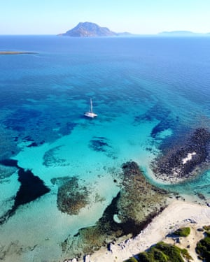 Drone image of Psathoura. The marine park of Alonissos and Northern Sporades was the first marine park established in Greece, in 2003, and is the largest marine protected area in Europe. Psathoura island, in the distance, has no residents and is known for its prisitne waters and its lighthouse which was built in 1895.