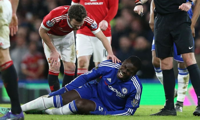 Chelsea's Kurt Zouma out for rest of season with knee injury ...