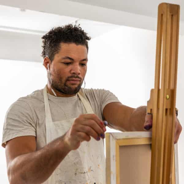 Joe Joyce painting at Delta London Studio as part of the Purplebricks campaign.