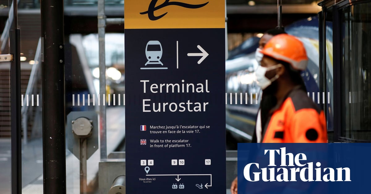 UK minister seeks to calm row over France Covid travel curbs