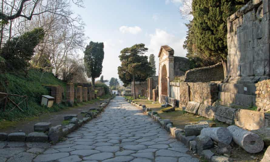 The Porta Ercolano suburb outside the northern wall of Pompeii. When the area was excavated, ancient rubbish was found piled in and around the tombs, houses, and shops.
