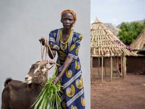 Anna Angolere, buck keeper