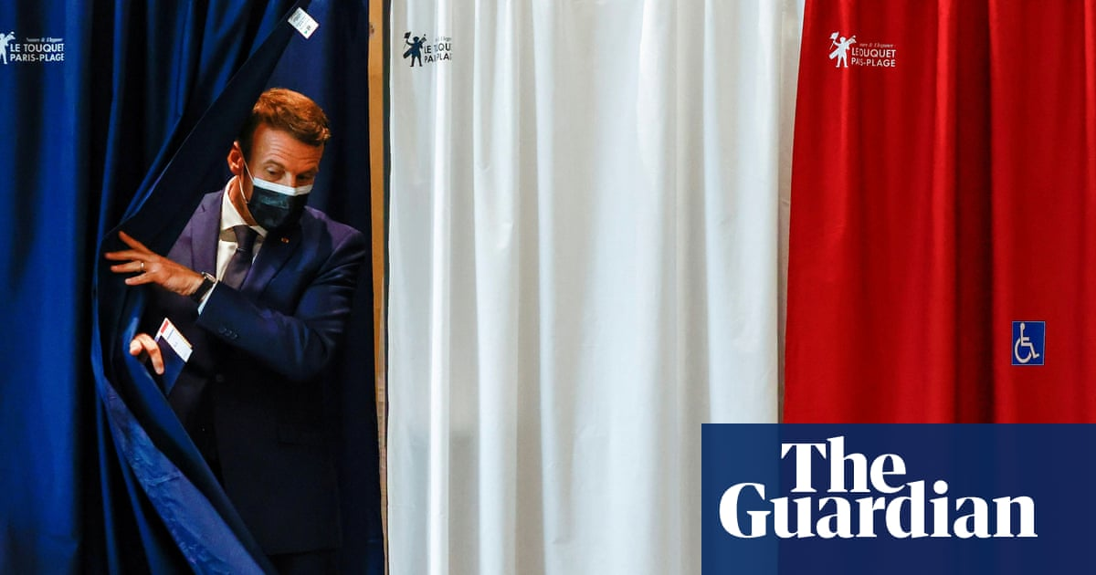 'Slap in the face' for Macron as French voters shun local elections - the guardian