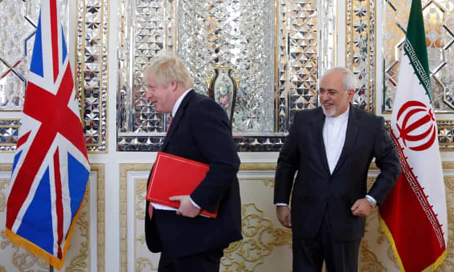 Boris Johnson and the Iranian foreign minister, Mohammad Javad Zarif, in December 2017.