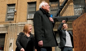 Jane Sanders, Bernie Sanders and Mark Ruffalo outside Sanders' childhood home in Brooklyn.