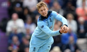 Joe Root takes the catch of Shimron Hetmyer off his own bowling.