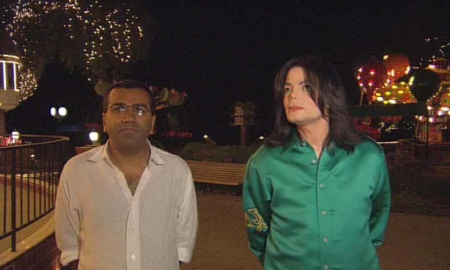 Martin Bashir and Michael Jackson on Tonight with Trevor McDonald, 2003.