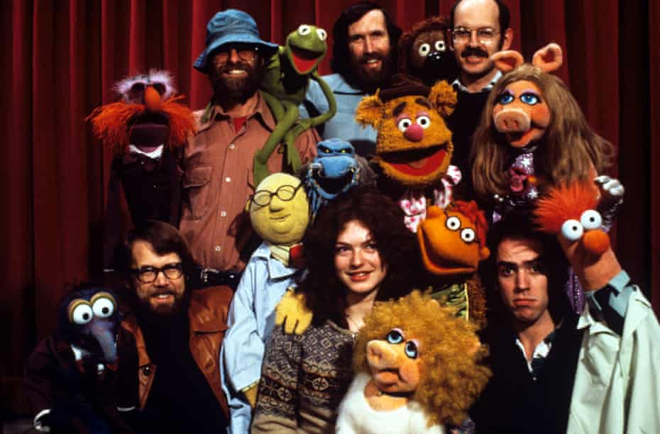Jim Henson (back centre) and Frank Oz (back right) with the Muppets and other performers in 1978.